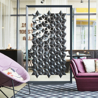 Freestanding room divider Facet