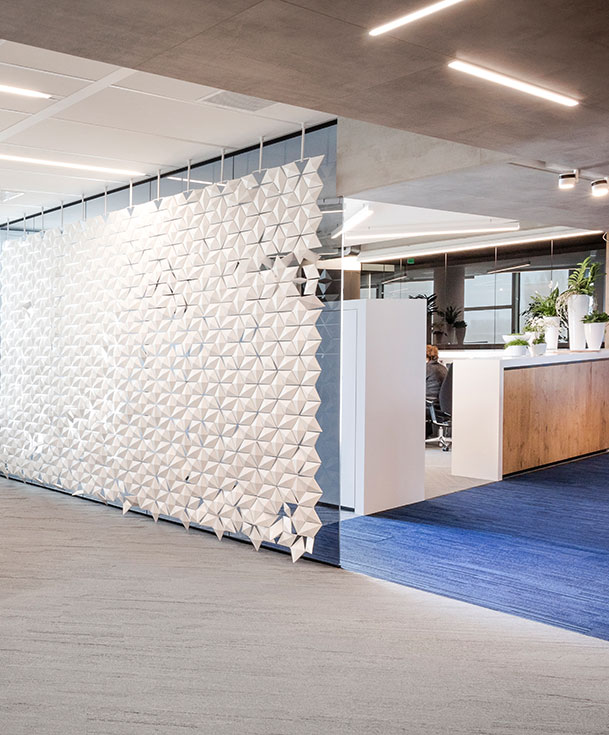 Hanging room divider Facet any shape, any size