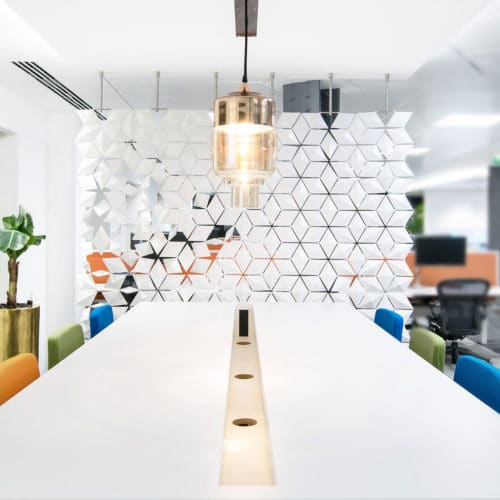 Office room divider to lighten up workspaces