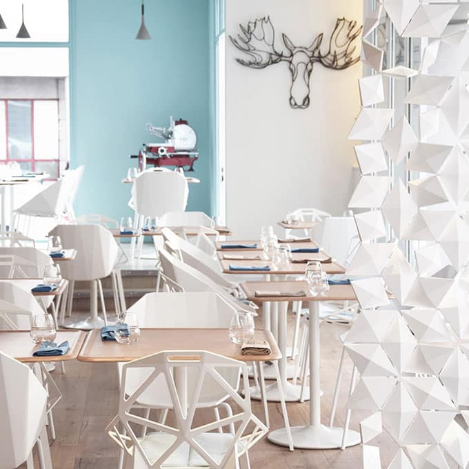 Restaurant partitions you have never seen before