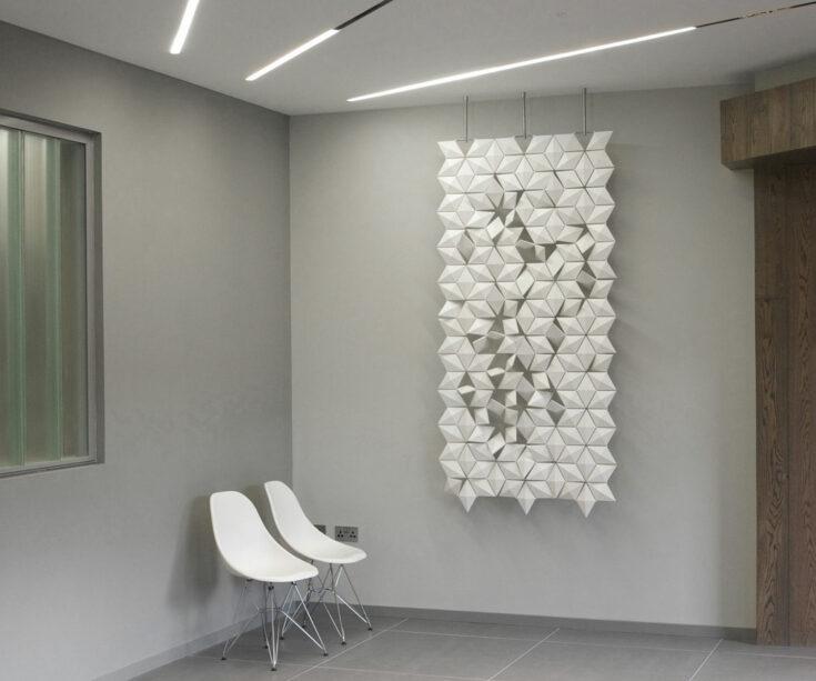 3D-Wanddekoration Facet in Farbe Weiss und Breite 102 cm x Höhe 207 cm