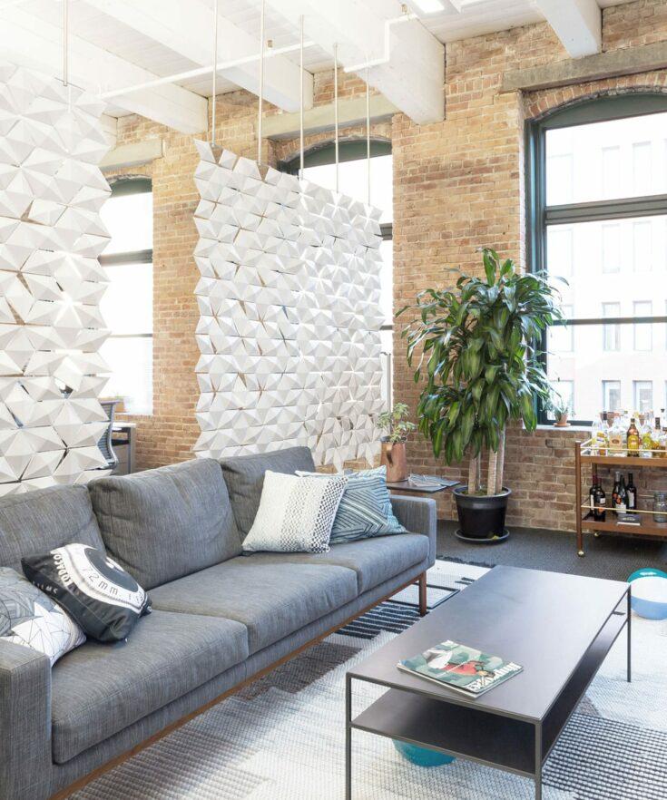 Separador de ambientes colgante Facet en color Blanco y ancho 170cm x alto 187cm