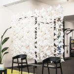 Moderno divisor de habitaciones transparente Facet en color Blanco y ancho 272cm x alto 217cm